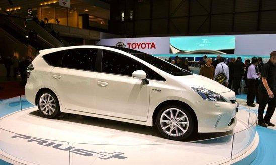 Toyota Prius+ - emisii CO2 de circa 106 g/km