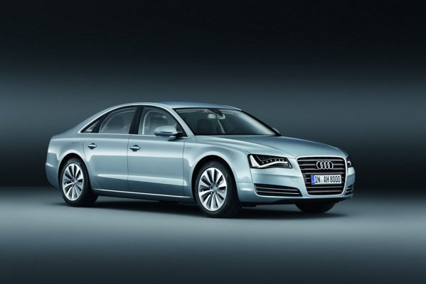 Locul 6- Audi A8 Hybrid