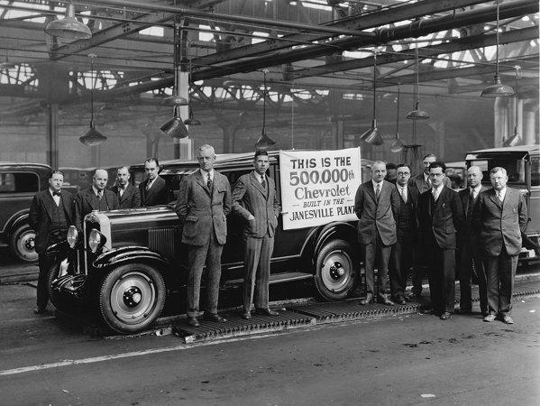 In 1925 Chevrolet a atins cota de 500.000 de masini produse, iar in 1927 a depasit un milion