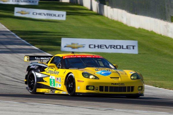 Corvette C6.R a castigat in 2011 clasa GTE Pro in cursa de 24 de ore de la LeMans