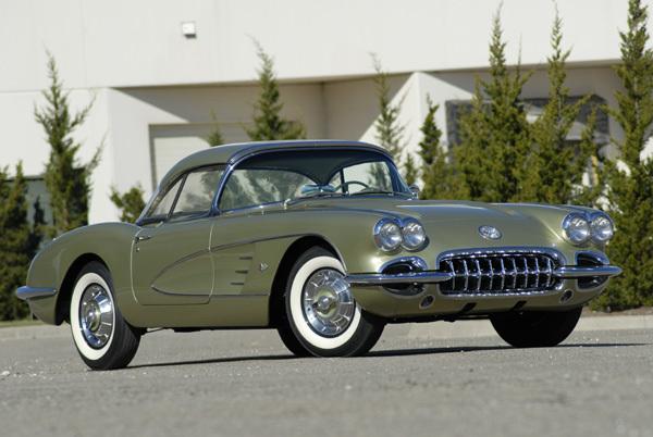 In 1958 se lanseaza versiunea dedicata femeilor Corvette Fancy Free