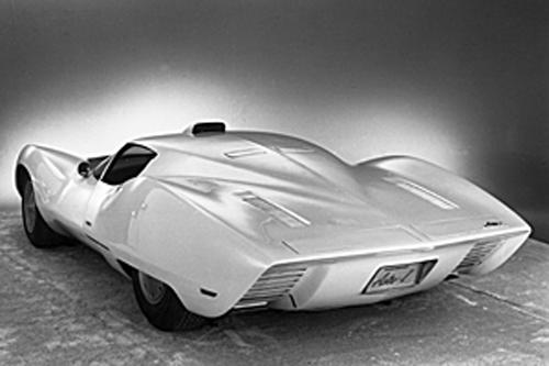 Chevrolet Astro-Vette avea un design futurist, care punea accentul pe aerodinamica