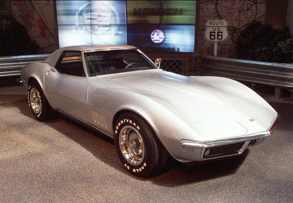Chevrolet Corvette 3 a fost produs timp de 14 ani, intre 1968 si 1982
