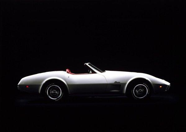 1974 a fost ultimul an pentru V8-ul big-block, iar 1975 a fost ultimul an pentru cabrioletul Corvette C3