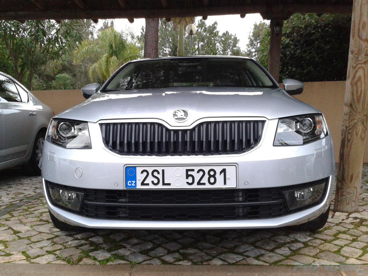 Skoda Octavia 3 front
