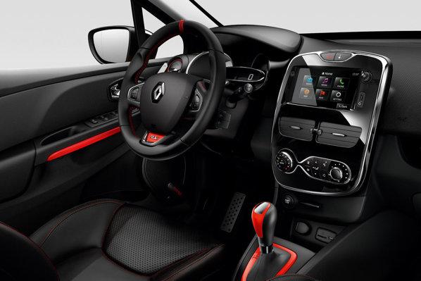 Renault Clio RS 4 interior