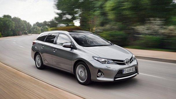 Test-drive cu noua Toyota Auris Touring Sports