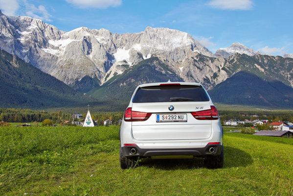 BMW X5 2013 test rear view