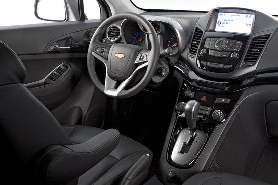 Desi are multe elemente preluate de la Cruze, Chevrolet Orlando are un interior original