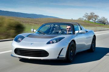 Testat în premieră naţională Tesla Roadster Sport