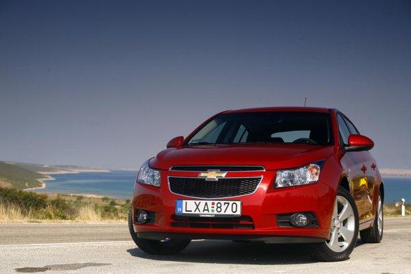 Chevrolet Cruze hatchback are aceeasi imagine de marca indrazneata ca si sedanul