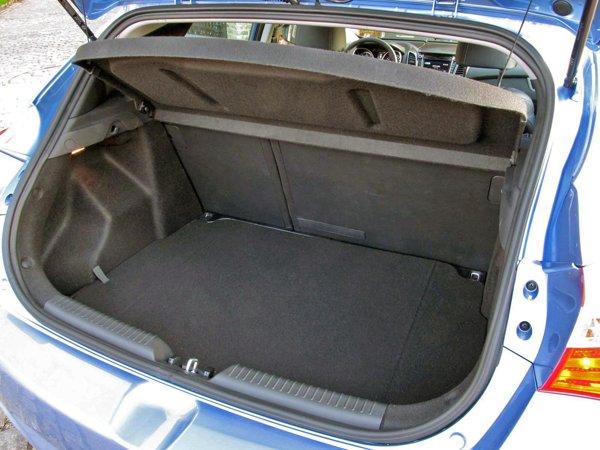 Hyundai i30 are un portbagaj bun pentru clasa compacta, de 378 litri