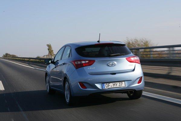 Noul Hyundai i30 poate fi echipat cu directia FlexSteer, cu trei moduri de functionare