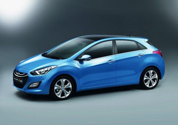 Hyundai i30 a evoluat mult si la capitolul dotarilor interioare si de securitate