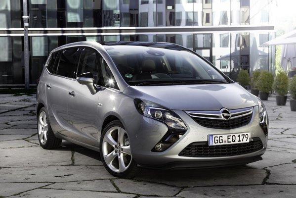 Noul Opel Zafira Tourer are un aspect foarte atractiv de la prima privire