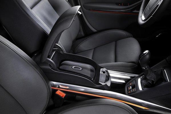 Ideea FlexRail ii confera lui Opel Zafira Tourer un avantaj de ordin practic
