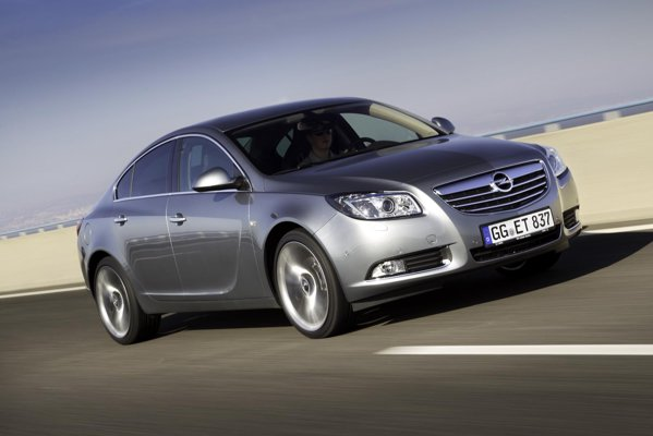 Opel Insignia BiTurbo promite atat performante foarte bune, cat si un consum mic
