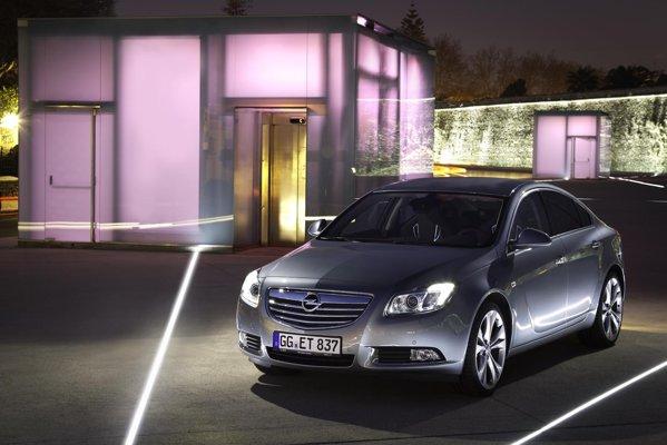 Pretul de baza pentru Opel Insignia BiTurbo este de 30.980 euro, in echipare Cosmo