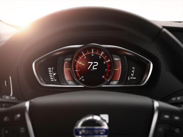 Atuul noului Volvo V40 - displayul personalizabil, care inlocuieste clasicele ceasuri de bord