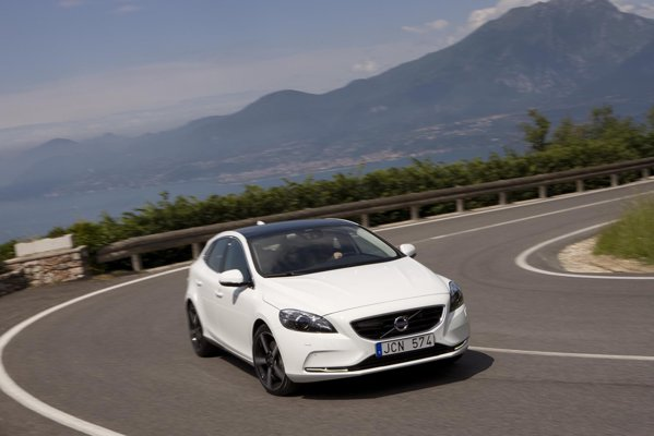 Volvo V40 T4 are un motor turbo de 1,6 litri si 180 CP