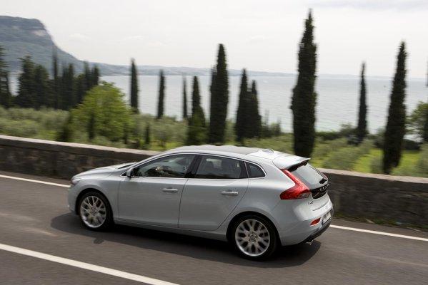 Noul Volvo V40 este o compacta premium individualista si cu un mare sex-appeal