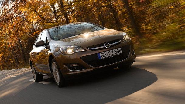 Am testat Opel Astra Sedan în România
