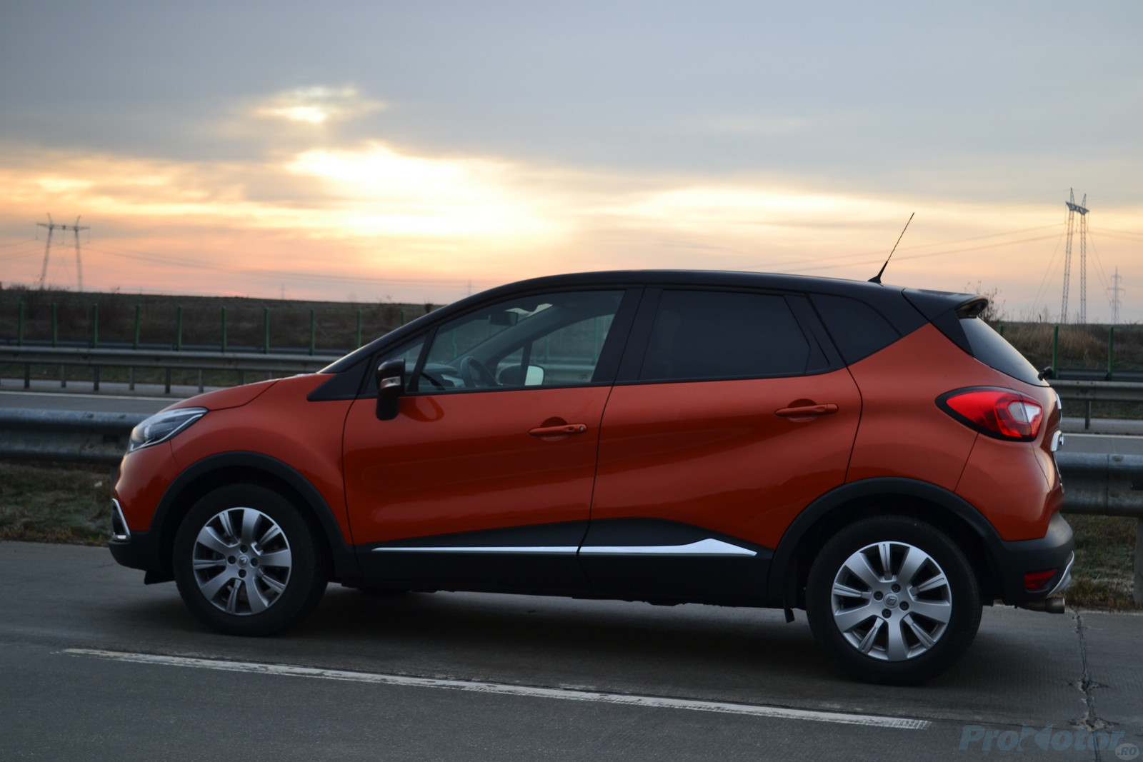 imagini test renault captur 1 2 tce turbo fun. Black Bedroom Furniture Sets. Home Design Ideas