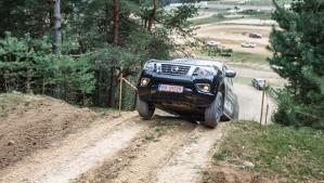 Test cu NOUL NISSAN NAVARA în România - Un pick-up cu abilităţi off-road şi interior de SUV