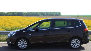 Test drive Opel Zafira Tourer - Senzaţii KING SIZE cu o familistă convinsă [FOTO]