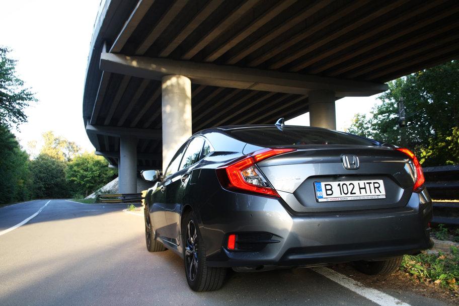 Drive test Honda Civic sedan - Poezie în mişcare