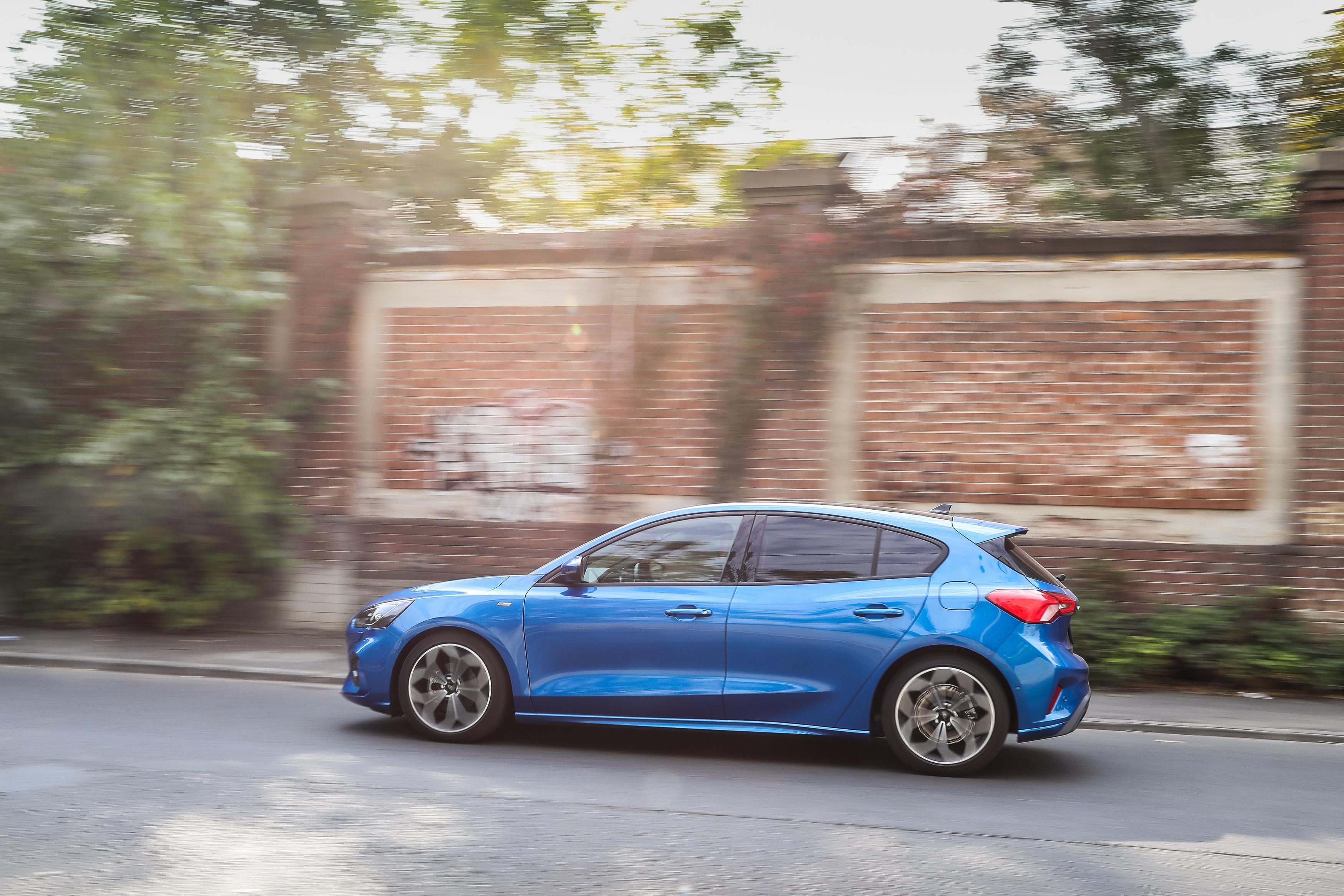 Test drive Ford Focus ST Line - Noul model impune o imagine mai sportivă şi un caracter mai