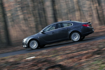 Opel Insignia lateral