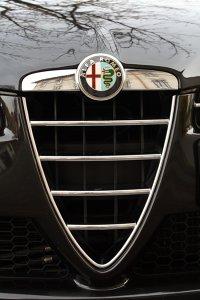 Grila tipica Alfa Romeo