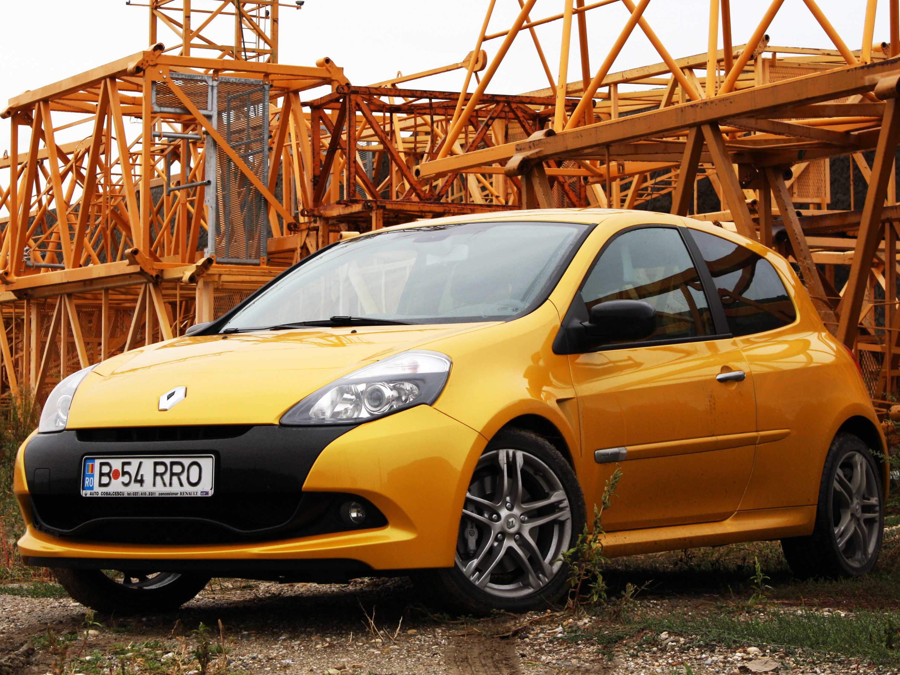 renault clio rs facelift analiz financiar. Black Bedroom Furniture Sets. Home Design Ideas
