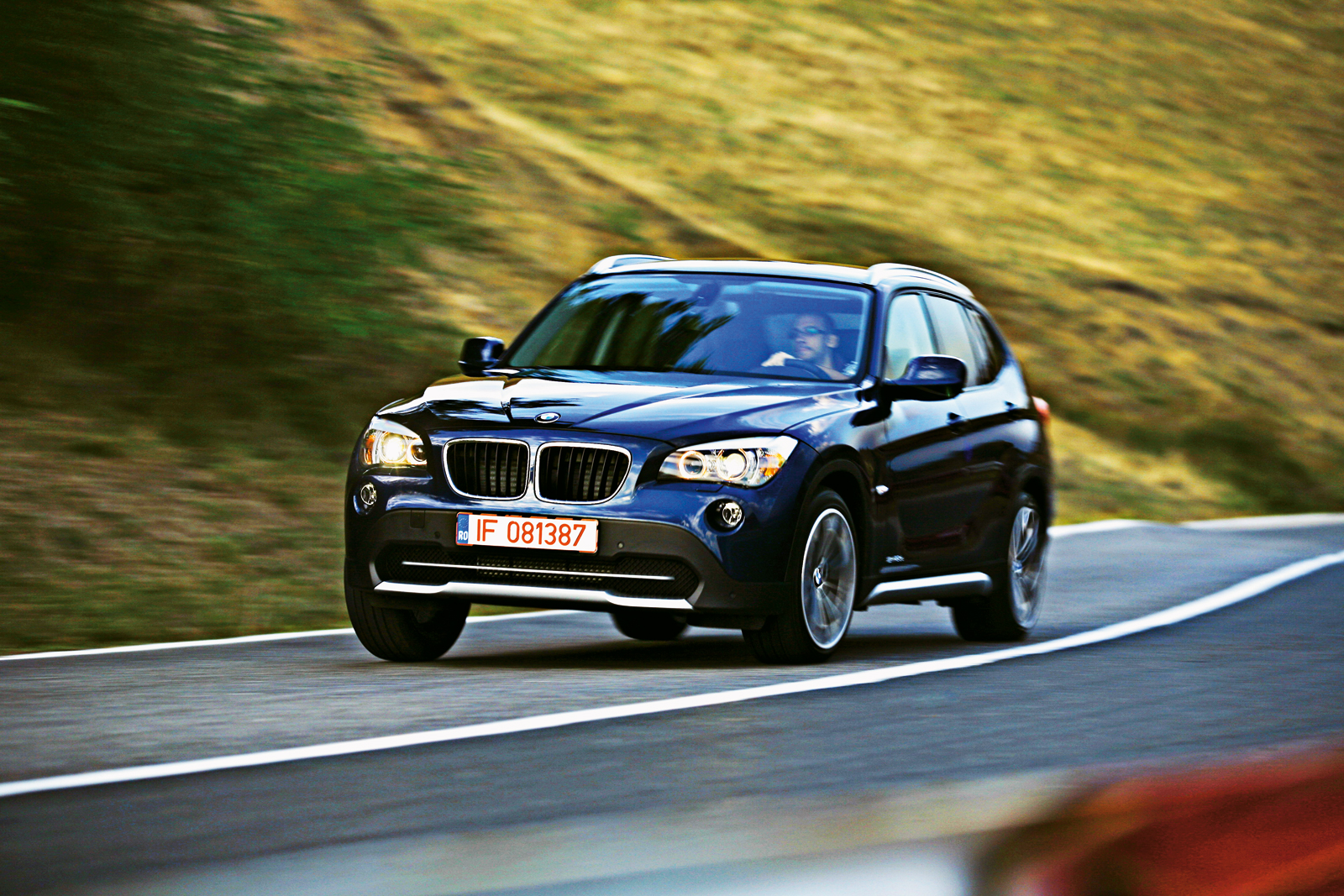 imagini bmw x1 test in ro. Black Bedroom Furniture Sets. Home Design Ideas