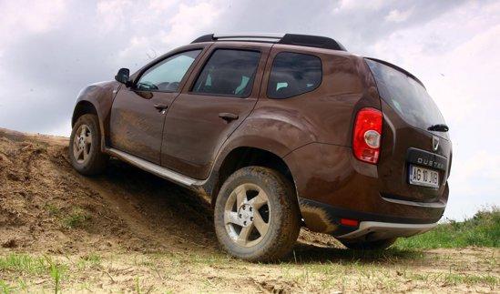 Dacia Duster este o reîncarnare modernă a lui ARO 10, un SUV de criză