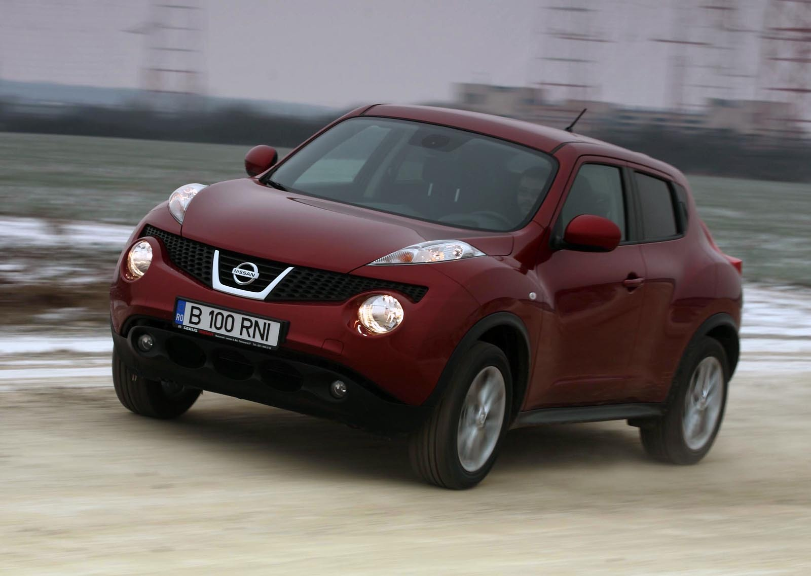 imagini scurt test drive cu nissan juke 1 6 2wd. Black Bedroom Furniture Sets. Home Design Ideas