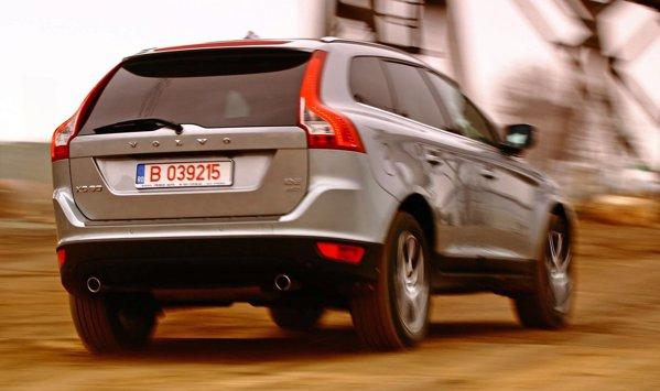 Volvo XC60 ofera un bun compromis intre confort si stabilitate, cu accent pe confort