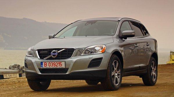 Volvo XC60 model 2011 nu vine cu modificari estetice, avand acelasi stil dinamic si elegant