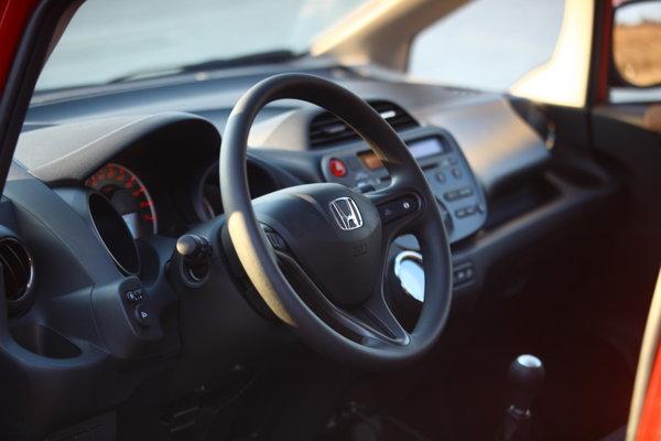 Interior spaţios pentru un automobil de clasă mică