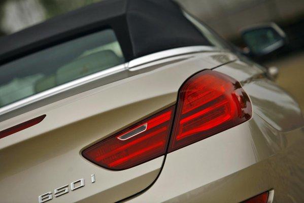 Motorul lui BMW 650i Cabrio este un V8 turbo TwinPower de 408 CP si 600 Nm