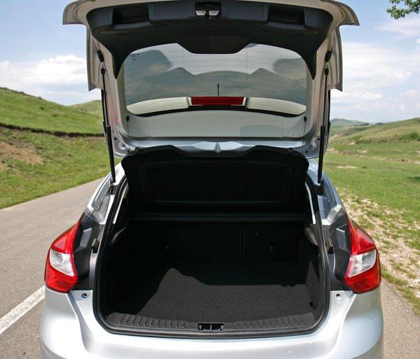 Noul Ford Focus are un portbagaj normal pentru clasa compacta, dar mai mic decat al precedentei generatii