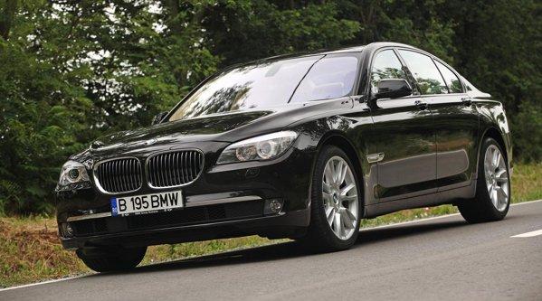 Vopseaua Individual Citrine Black face BMW Seria 7 sa afiseze un lux discret