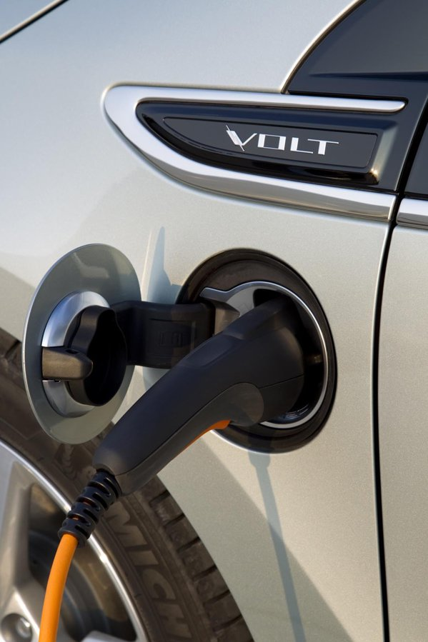 Chevrolet Volt este o masina electrica in proportie de 75-80%