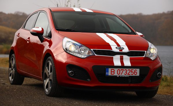 Noua KIA Rio are un design tineresc si tuse de Fast and Furious