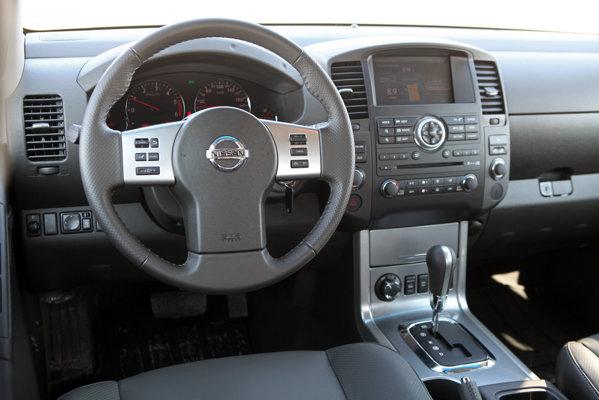 La 45.000 euro, Nissan Navara V6 pare scump, dar are multe argumente