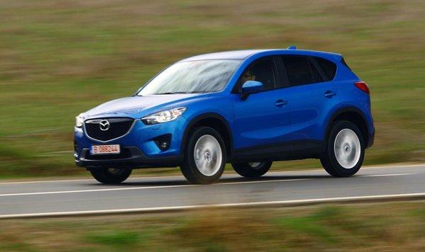 Modelul de test Mazda CX-5 beneficia de motor pe benzina, cutie automata si tractiune integrala