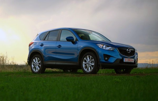 Mazda CX-5 se numara printre cele mai aratoase SUV-uri compacte de pe piata
