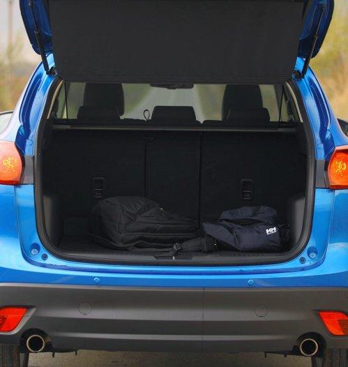 Mazda CX-5 vine cu o idee ingenioasa pentru fileul de acoperire a bagajelor