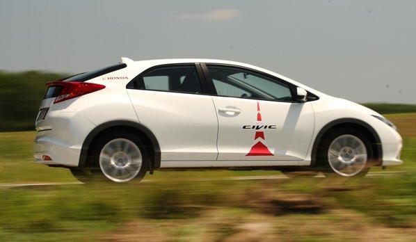 La viteze mari, Honda Civic diesel da dovada de bune resurse, iar reprizele sunt rapide